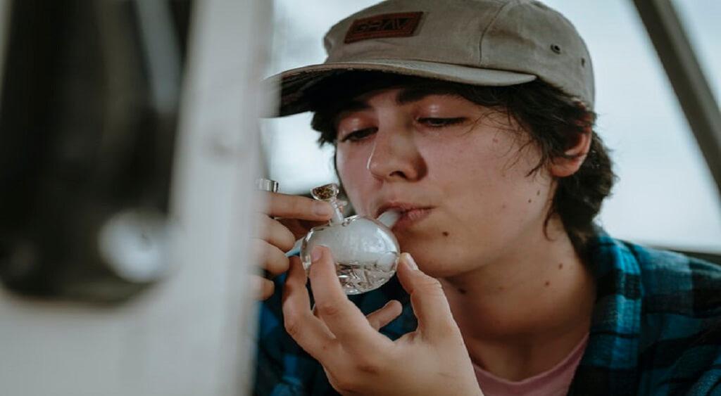smoking weed | Low Price Bud | Online Weed Dispensary
